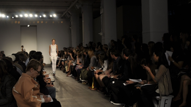 On the runway with Ohne Titel