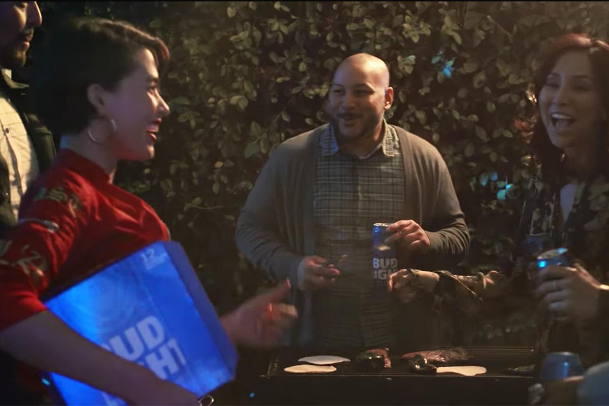 Bud Light Ad To Run On Spanish Language Super Bowl Telecast | Special:  Super Bowl   Ad Age