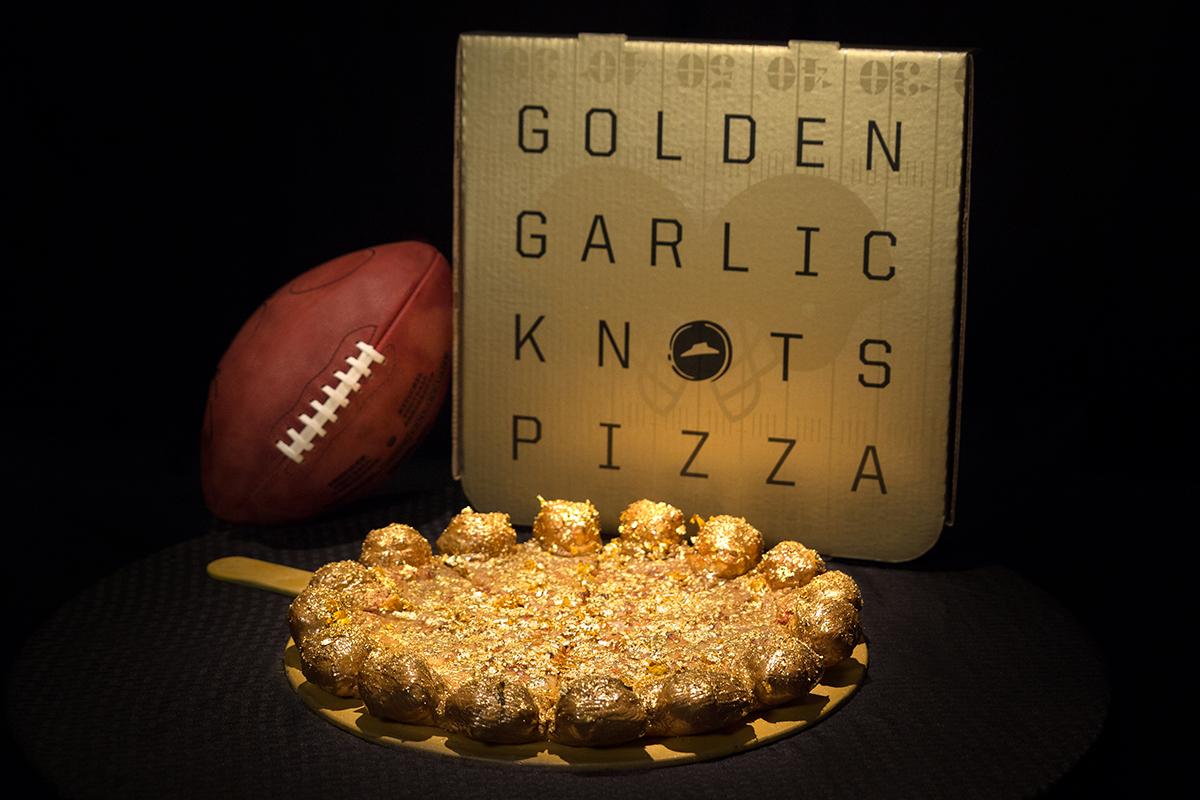 Pizza Hut To Deliver Gold Pizzas For Super Bowl 50 Special Super