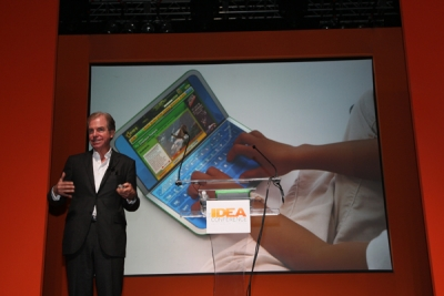 Negroponte shows off OLPC 2.0, the next iteration of his inexpensive learning laptop