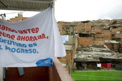 JWT Colombia: Bedsheet Billboards