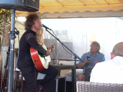 The hurdy-gurdy man himself, Donovan, played a beachfront acoustic set on Friday afternoon