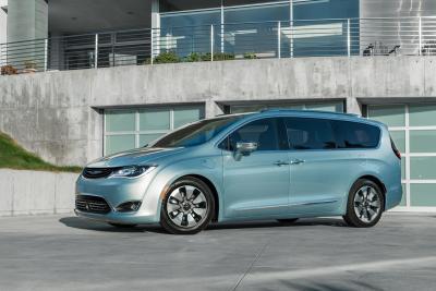 Fiat to Grow Google's Test Fleet With Self-Driving Minivans