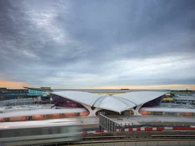 The Gensler-designed T5 terminal peeks out from behind the Saarinen icon