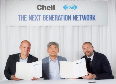 Stewart Shanley, Iris joint CEO; Daiki Lim, president-CEO, Cheil; Ian Millner, Iris joint CEO