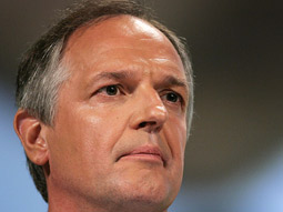Unilever CEO Polman Takes Its Marketing Firmly in Hand