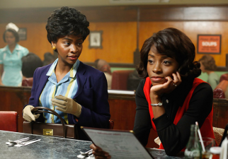 Dawn Chambers (Teyonah Parris) and Nikki (Idara Victor) on 'Mad Men'