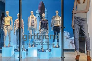 With Back-to-School Approaching, Gap Seeks New Grip on Shoppers
