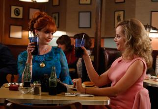 Joan Harris (Christina Hendricks) and Kate (Marley Shelton) on 'Mad Men'