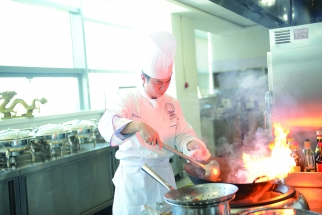 In this kitchen, chef Links Chen, former chef at five-star hotels, develops funky flavors of chips.