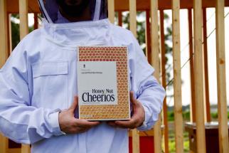 Honey Nut Cheerios Buzzes in With One Sweet Billboard