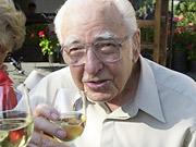 Ernest Gallo, 97, Dies