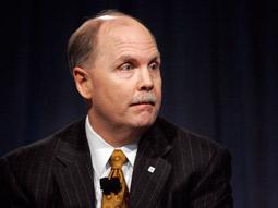 GM Chief Fritz Henderson Steps Down