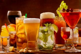 Booze News: Canned Wine Is Up, Neighborhood Bars Down