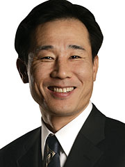 MICHAEL KIM: Exec took over the global chief operating officer post. Mr. Kim now oversees Cheil's day-to-day business operations.