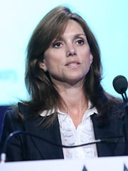 Beth Comstock says media is not mainstream until 40% of homes adopt it.