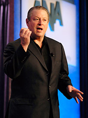 Al Gore speaks at the ANA annual meeting.