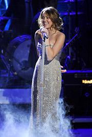Miley Cyrus performs on 'American Idol.'