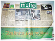 Editorial elements of the daily newspapers were flipped 90 degrees so that the vertical page now had to be read horizontally. The same execution was also used online.