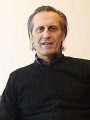 Bryan Yolles
