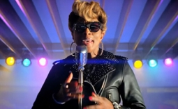 A new Burger King spot featuring Mary J . Blige is under fire.