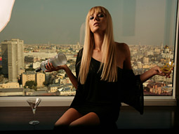 Russian Standard vodka's U.S. push takes a page out of partner Maxim's playbook: Hot chicks sell.