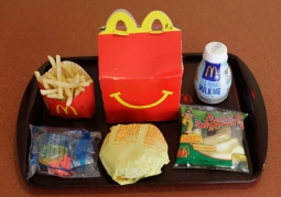 Parents in San Francisco want to ban toys kids' meals, but the issue is unlikely to go national.