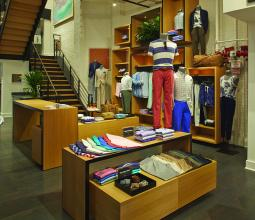 By this summer, Bonobos expects to have 22 locations where consumers can browse and try on samples, up from one such 'guideshop' in 2011.