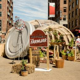 To celebrate the launch of Prego Farmers' Market sauce varieties, the brand installed a giant mason-style jar greenhouse at Chelsea Plaza in New York on August 17, 2016.