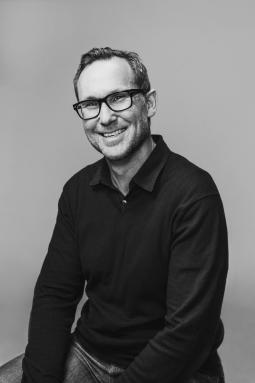 Isobar gets its first U.S. CCO, Droga5 promotes two ECDs
