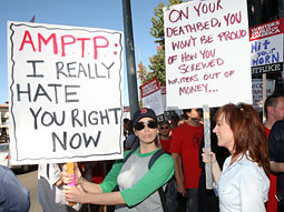 Sarah Silverman (l.) and Kathy Griffin on the picket line.