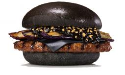 Burger King Japan's black burger.