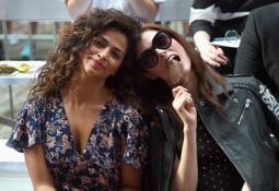Models Coca Rocha and Camila Alves