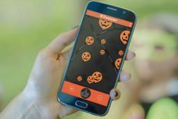 Treatster helps parents find the best trick-or-treat spots using Google Map's API.