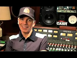 Actor-director Billy Bob Thornton considers himself a musician turned thespian, and is sepnding the next year introducing people to his music -- and to Dell products.