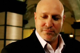 'Top Chef' judge Tom Colicchio, shown here in an earlier Diet Coke ad, will appear in several clips preparing healthy, easy-to-make dishes.
