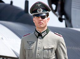 Tom Cruise will star in Bryan Singer's upcoming 'Valkyrie.'