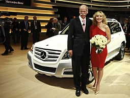 Kim Cattrall (with Dieter Zetsche), who again plays Samantha, appeared at a Mercedes-Benz press conference at the Detroit auto show.