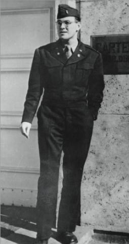 Dan Edelman in Europe during World War II.