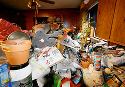 'Hoarding: Buried Alive'