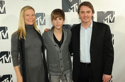 Erika Schimik, VP-theatrical marketing, Lionsgate; Justin Bieber; and Richard Beaven, CEO of Initiative at the 2011 MTV Networks upfront.