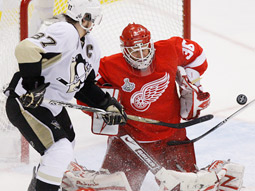 The Detroit Red Wings took a 2-0 lead after back-to-back 3-1 victories in the Stanley Cup Finals.