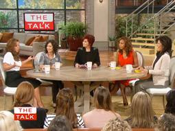 'The Talk' co-hosts (l.) Leah Remini, Sara Gilbert, Sharon Osbourne, Holly Robinson Peete and Julie Chen