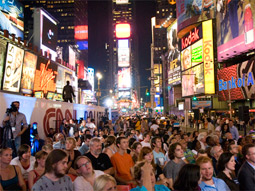 Times Square sees 565,000 visitors daily, 47 million annually.