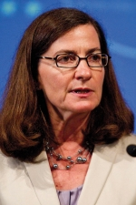 Staunch Consumer Advocate Is Front-runner to Lead FTC
