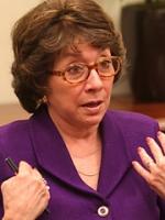 Arlene Manos