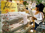 A typical Hispanic shopper browses the Cuban bread racks in a Publix store in the West Hialeah, Fla. Unilever's study found significant differences in the behavior of Latino and general-market shoppers.