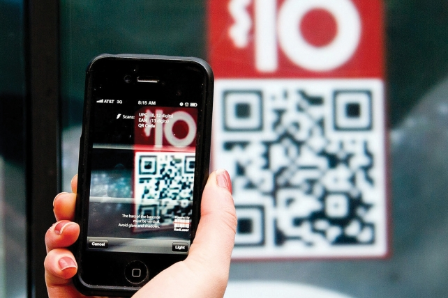 More shoppers will use mobile phones this year.