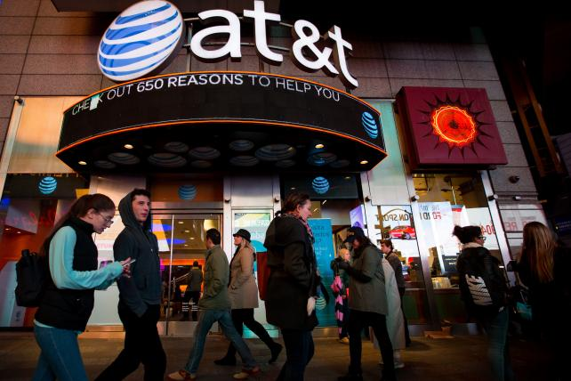 AT&T judge questions expert on pay TV price-hike theory