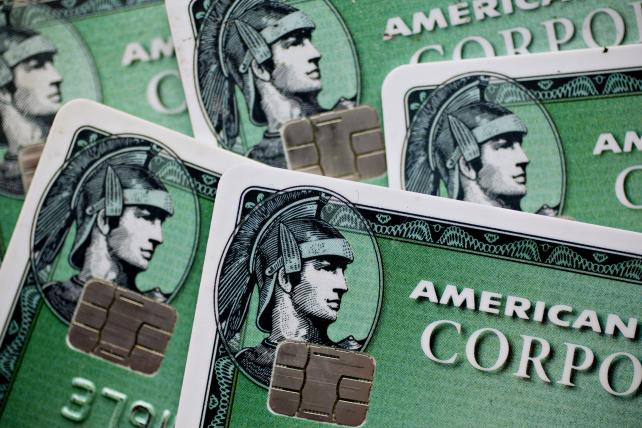 AmEx will issue credit card for Amazon small business customers